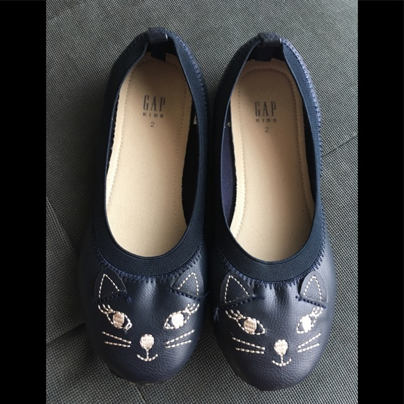 GAP Other - Girls Flats shoes Size 2 by GAP